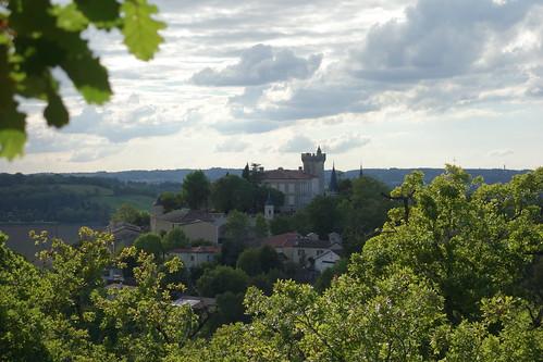 Après l'école, direction... le château de Montégut !