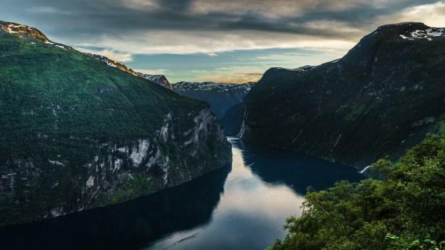 Sunset in Geirangerfjord - Geiranger, No by j0sh (www.pixael.com), on Flickr