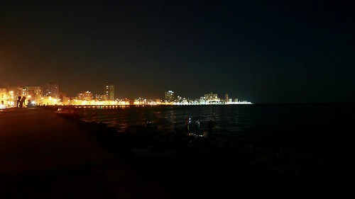 """Malecon, Havana • <a style=""""font-size:0.8em;"""" href=""""http://www.flickr.com/photos/95965052@N03/29669627274/"""" target=""""_blank"""">View on Flickr</a>"""