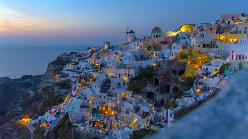 Oia @ night 2