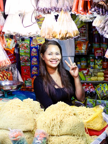 Pancit Noodle Lady by philwarren, on Flickr