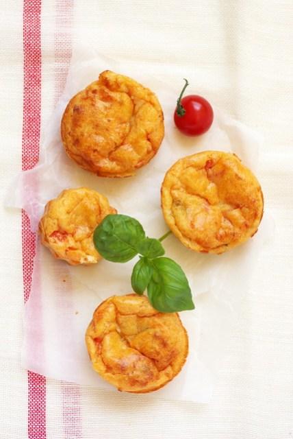 Muffins tomates mozzarella et basilic un d jeuner de soleil - Combien de sorte de tomate ...