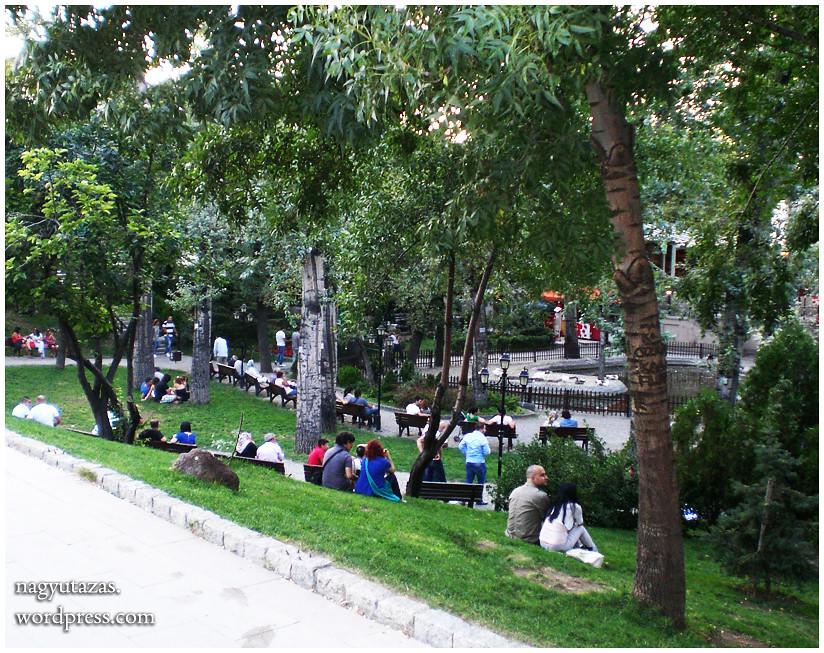 Dugig van a Hattyúk Parkja