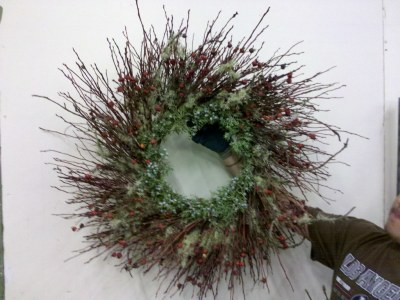 mixed forest wreath with Christmas theme