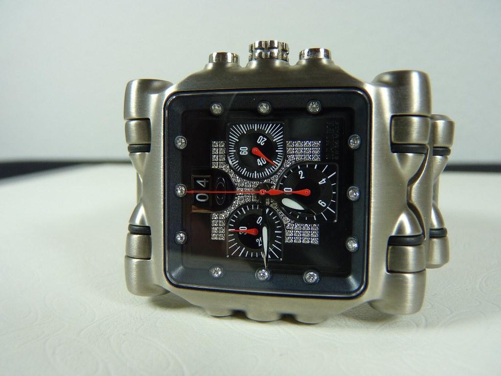 Oakley Minute Machine Polished Heritage Malta