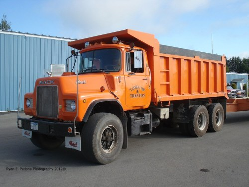 small resolution of town of trenton dm600 dump truck