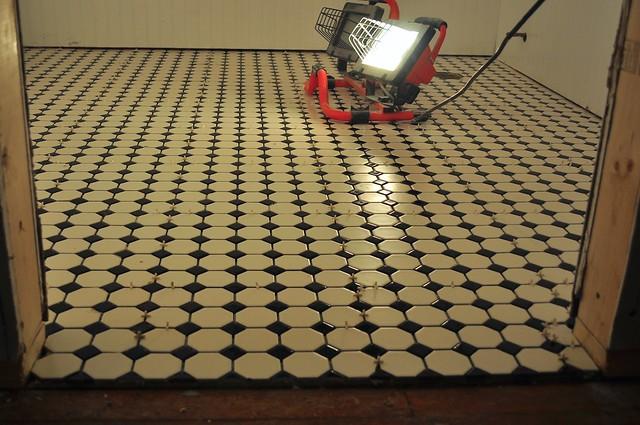2012-02-24 Bathroom tile 02