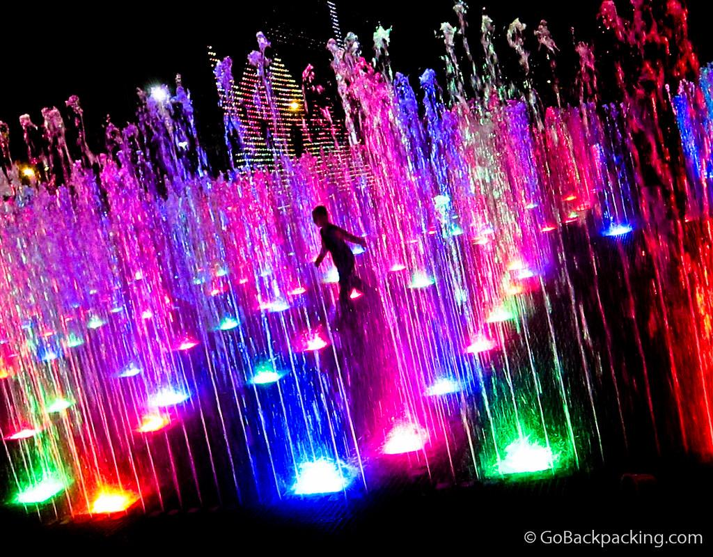 Water fountain maze
