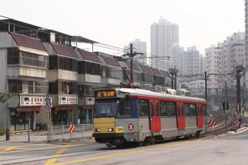 Phase 1 LRV 1019 passing 'village houses' at San Hui
