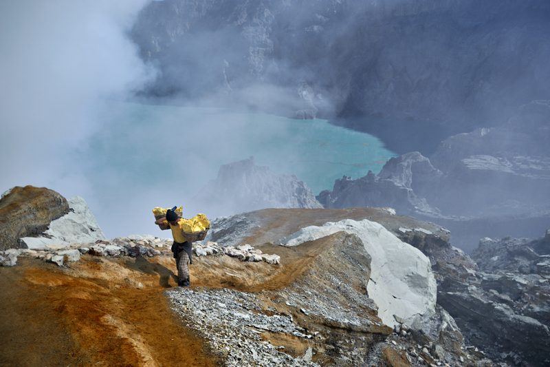 The man and the sulphur