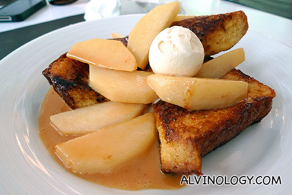Pear and toast with maple syrup for desert