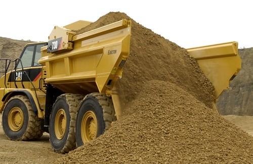 cat-heavy-construction-equipment