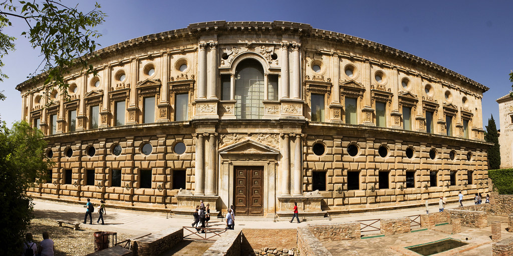 Panorama Central Courtyard Building 2011