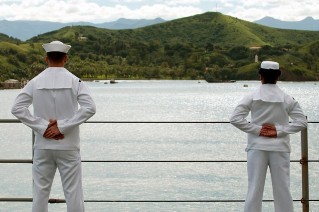 Sailors man the rails as USS Blue Ridge arrives in Noumea, New Caledonia