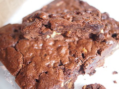 Wholewheat brownie with walnuts and dried cranberries