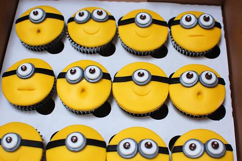 Minion Cake Design Goldilocks