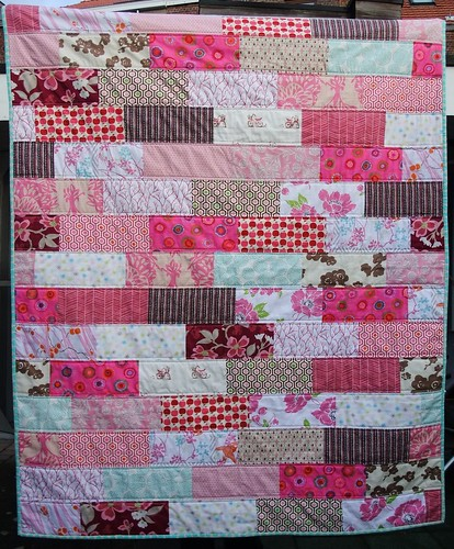 Pink quilt finished by Anne@surelynotanotherproject