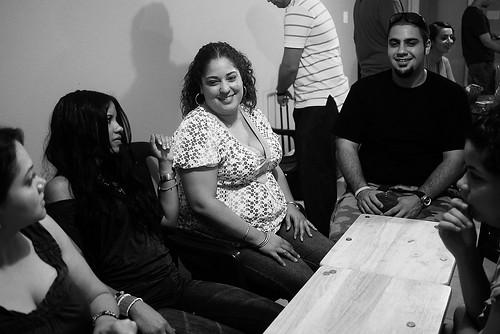 Reúnete con tus compatriotas – CC Imagen cortesía de Juanky Alvarez