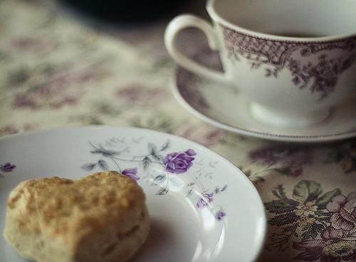 (365/85) scone & madagascar vanilla tea.