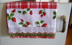 Fancy Strawberry Kitchen Decoration That Will Extend Your Home