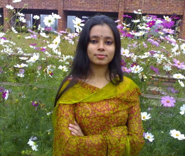 Sexy College Girl In Dhaka