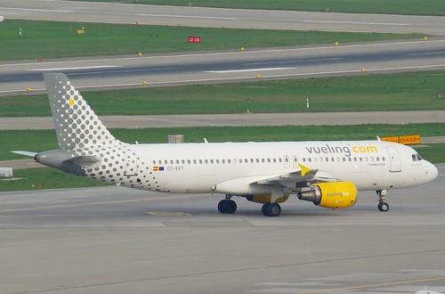 Vueling Airbus A320-214; EC-KKT@ZRH;08.04.2011/593al