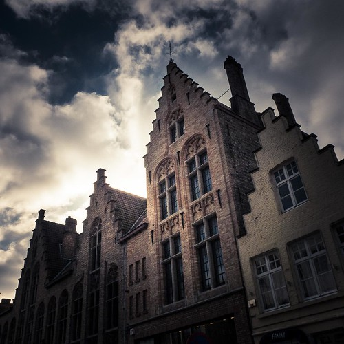 Another Tale in the Wall (Bruges, Belgium) - Photo : Gilderic