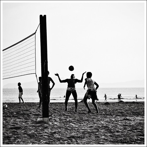Futevolei (footvolley) by Luiz L.