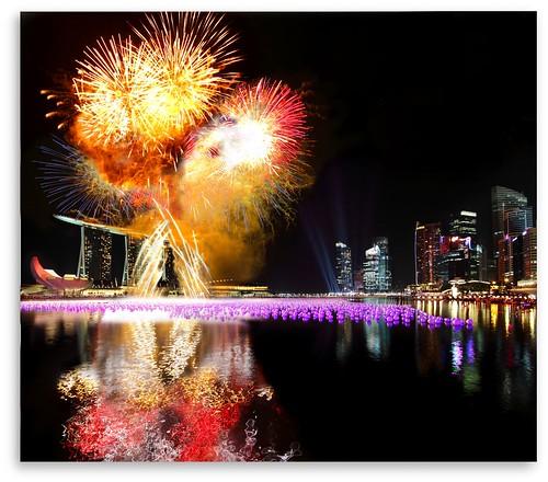 SINGAPORE 2011 New Year Countdown :: VECTORAMA Firework ::