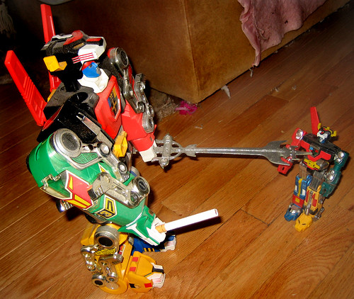 20110106 - Voltron to son - 'You're too young to smoke!' - IMG_2687