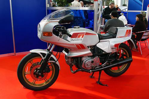 Ducati 600 Desmo