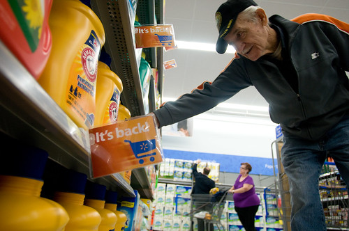 "Walmart's ""It's Back"" Tags Direct Customer to a Detergent Reintroduced to Store"