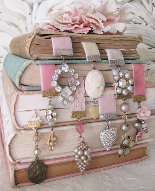 bookmark baubles