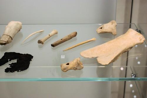 Bonework debris