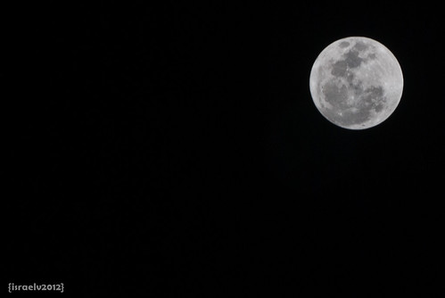 Full Moon on April 6, 2012 at 11:04pm (UTC+8) by {israelv}