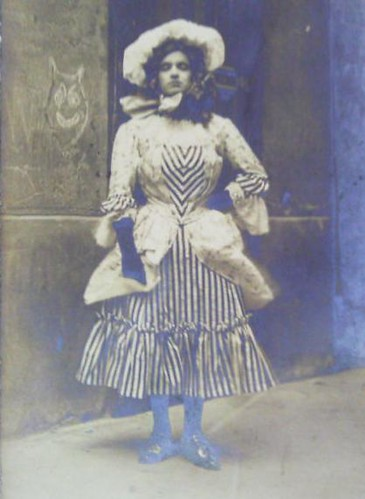 1907 Female impersonator