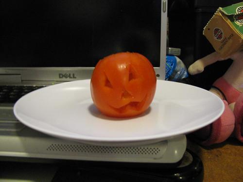 Tomato Jack o' lantern