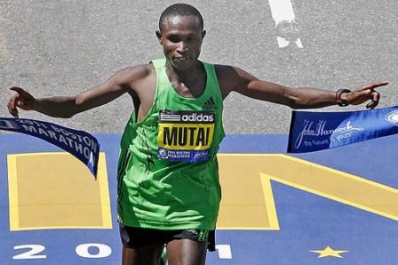 Geoffrey Mutai gana el maraton de Boston