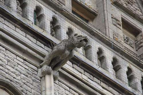 Canon 60D - Spiked Gargoyle - Swindon by TempusVolat