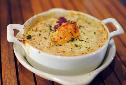 lobster spatzle & cheese maine lobster, house-made spatzle, english peas, bread crumbs