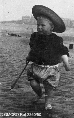 At the seaside, c.1906. (GB124.DPA/2360/50).