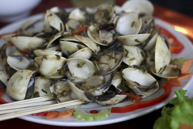 clams sauteed with tamarind