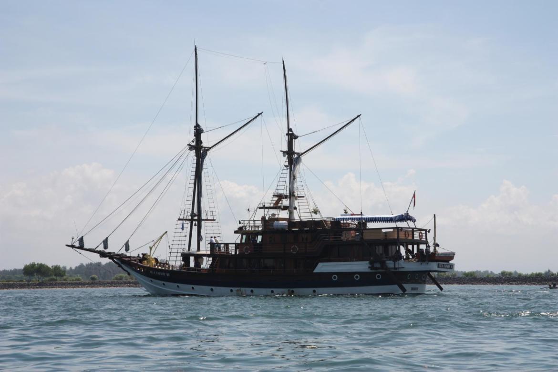 old skool boat