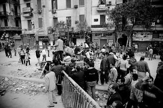 Defending the Revolution متاريس لحماية اعتصام التحرير
