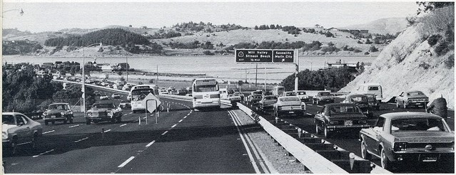 Contraflow bus lane on US 101 in Marin County (1973)