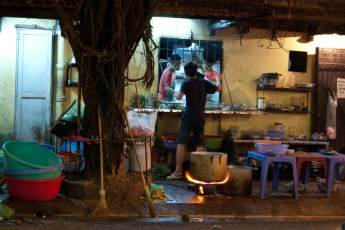 Lau eaterie in der Pho Duc Chin Street
