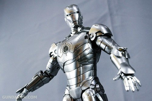 Hot Toys Iron Man 2 - Mk II Armor Unleashed Ver. Review MMS150 Unboxing (60)