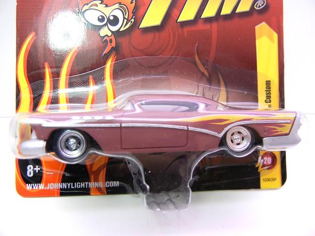 johnny lightning  1957 custom buick brown (2)