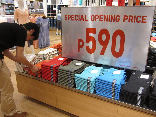 Uniqlo preview at Mall of Asia