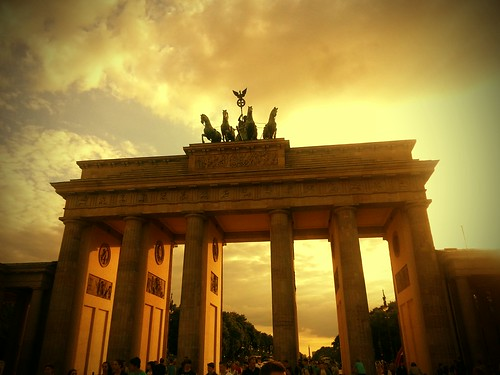 Brandenburg Gate by deadheaduk